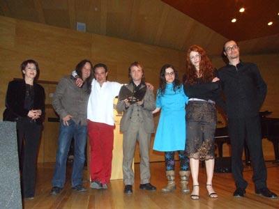 El Galgo Rebelde, recogiendo el premio a mejor grupo