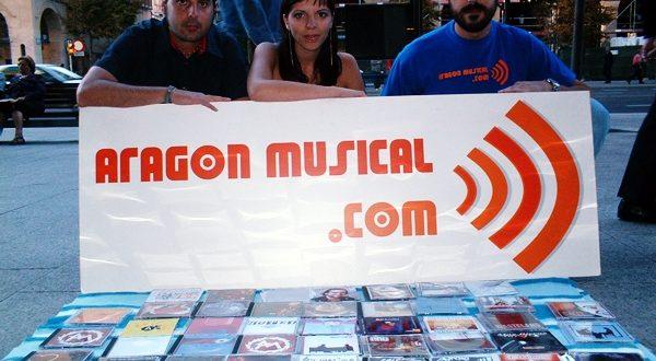 Foto fundacional de Aragón Musical con: Sergio Falces, Beatriz Pitach y David Chapín en 1994