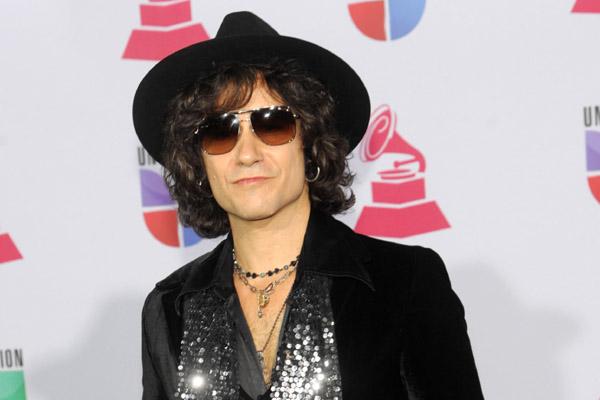 ENRIQUE BUNBURY durante los Grammys Latinos de 2012