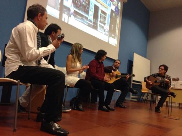 Directo durante la presentación oficial en el Centro de Historias de Zaragoza. Por: Aragón Musical.