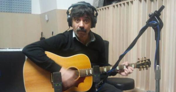 Sergio Vinadé, del grupo Tachenko, desde las primeras sesiones de grabación del nuevo disco de la banda.