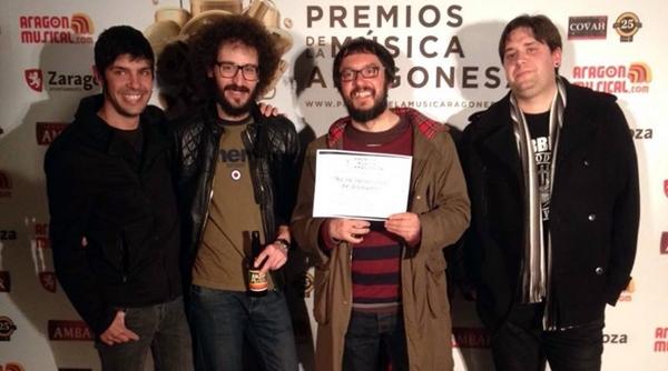 Domador tras recoger su diploma en la fiesta de nominados de los XVI Premios de la Música Aragonesa