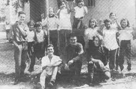Los primeros Héroes del Silencio con sus primeros fans