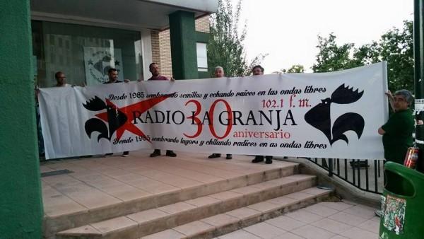 FotoRadioLaGranjaMayo2015