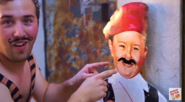 Fotograma del vídeo de The Bronson