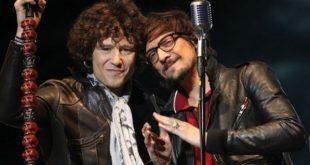 Bunbury y León Larregui en el MTV Unplugged 'El libro de las mutaciones'.