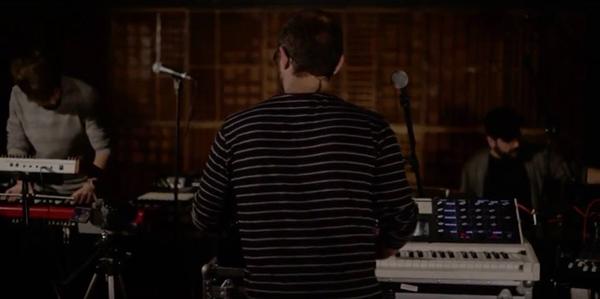 The Fractal Sound durante el vídeo de los ciclos de conciertos Mahare Live