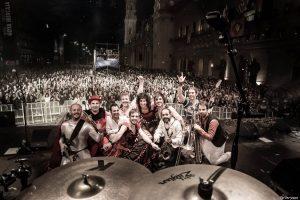 The Bronson tras la grabación de 'Live in Romareda (o casi)' en los 'Conciertos Imposibles (o casi)' de Aragón Musical junto al Ayuntamiento de Zaragoza.