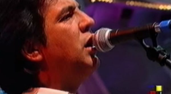 Manolo Tena a su paso por el programa 'Que vieje el lobo' de Antena Aragón en 1994