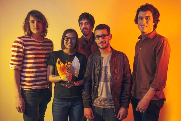 My Expansive Awareness tras recoger su estatuílla en los XVII Premios de la Música Aragonesa. Por: Jal Lux.