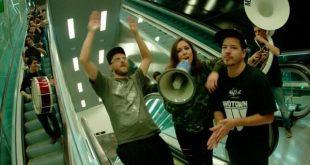 Imagen del Flashmob de Rapsusklei junto a Rebel Babel Brass Ensamble, L.U.C de Polonia y Wöyza de España.
