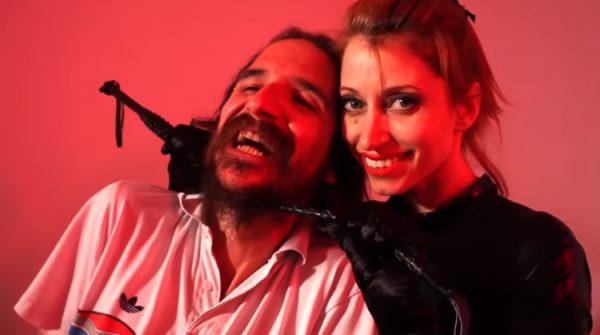 Imagen del videoclip 'She's gone' de Bigott