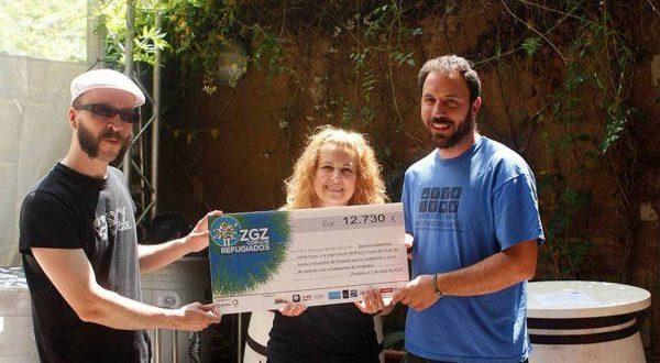 Entrega del cheque con lo recaudado en el II Love Fest