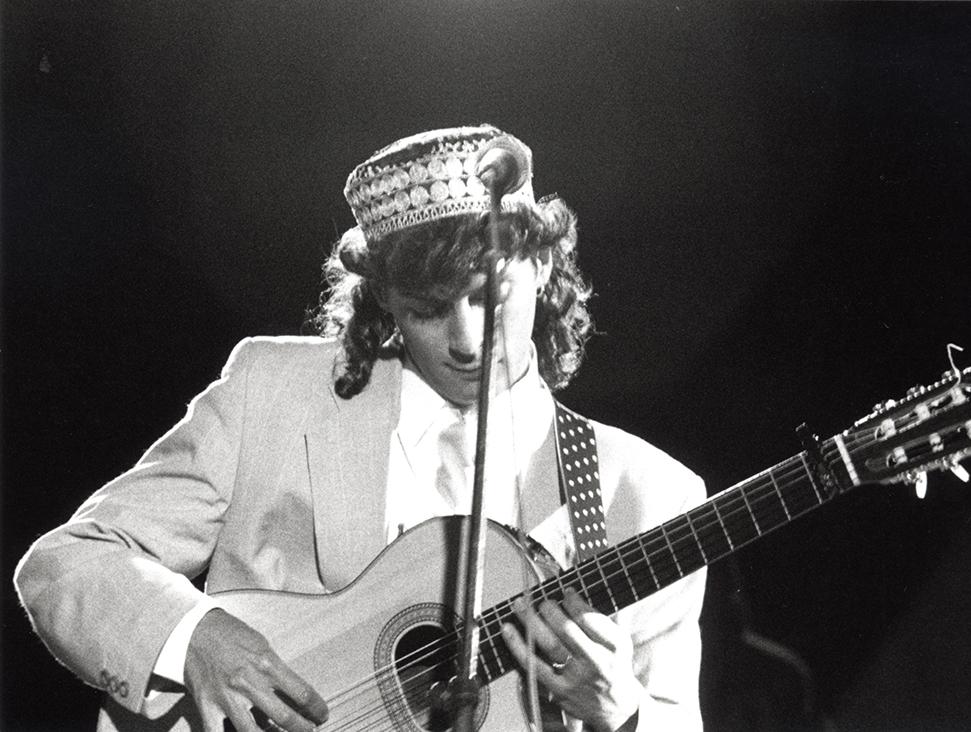 Imagen de Josemi Carmona durante la actuación en Pirineos Sur en 1992