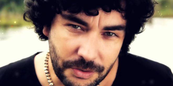 Imagen del videoclip 'Seres de luz' de Antílope León