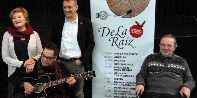 Claudina & Alberto Gambino (que actuarán en el Ciclo de la Raíz) junto a Fernando Rivarés (Consejero de Cultura) y José Luis Cortés (organizador)