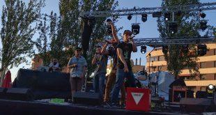 El Momo en la final del AmbarZMusic 2016