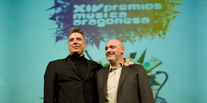 Gabriel Sopeña tras actuar junto a Loquillo en los XIV Premios de la Música Aragonesa Aragón Musical. Por Ángel Burbano.