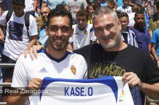 Kase.O junto a Borja Iglesias, nuevo frichaje del Real Zaragoza. Por: Real Zaragoza.