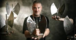 Kase.O tras recoger cinco premios en los XVIII Premios de la Música Aragonesa Aragón Musical. Estará en Pirineos Sur. Por Jal Lux.
