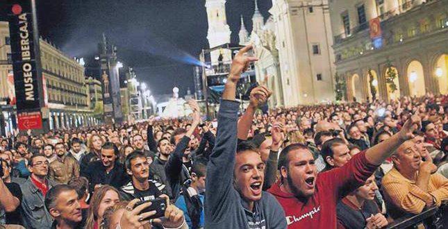 El público durante el concierto del 10º aniversario de Aragón Musical en 2014. Foto de Aránzazu Navarro (Heraldo)