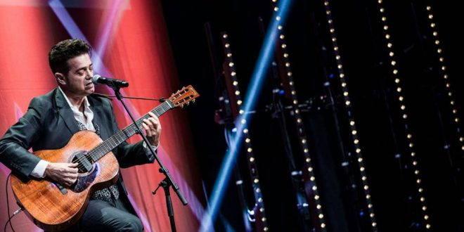 Juan Perro durante su actuación en los XVIII Premios de la Música Aragonesa. Foto, Jaime Oriz