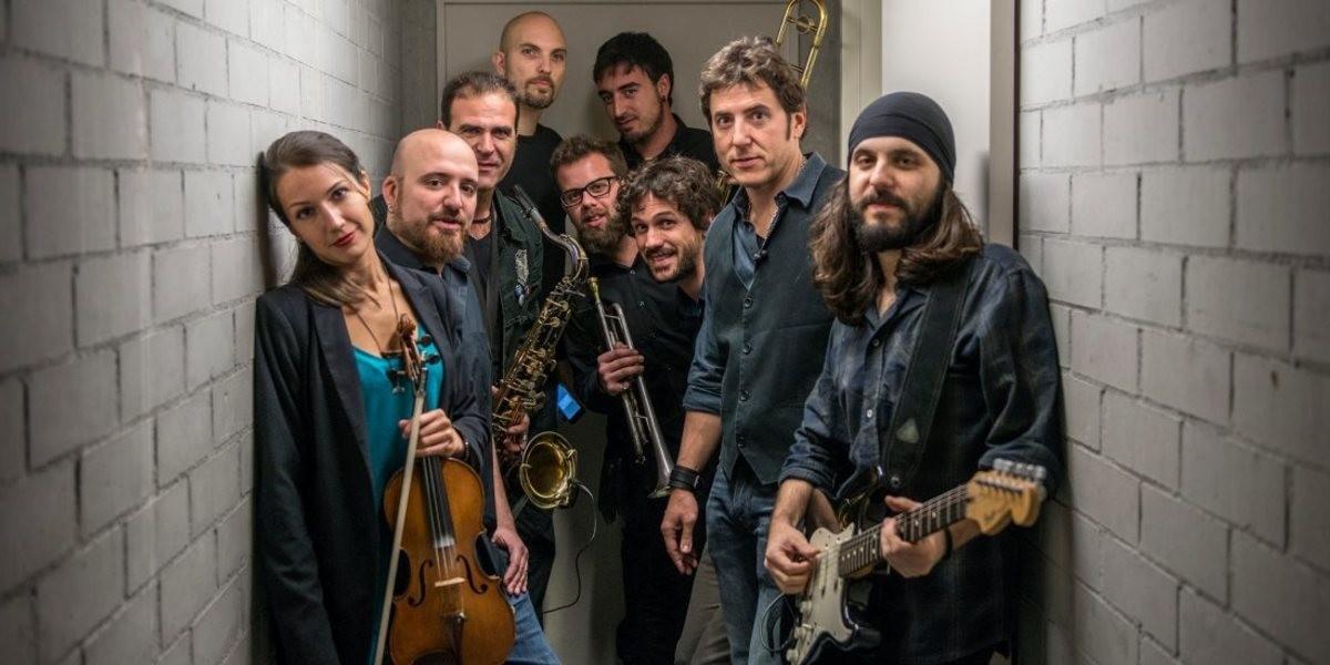 Manel Fuentes & The Spring´s team + Perdiendo los papeles