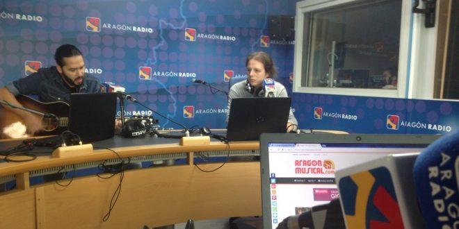 Crisálida durante su intervención en directo desde la sección 'En Vivo' del programa La Cadiera de Aragón Radio