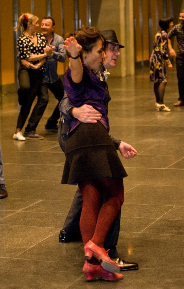 Bailarines el 17 de noviembre de 2017 en la Sala Multiusos. Por Ángel Burbano