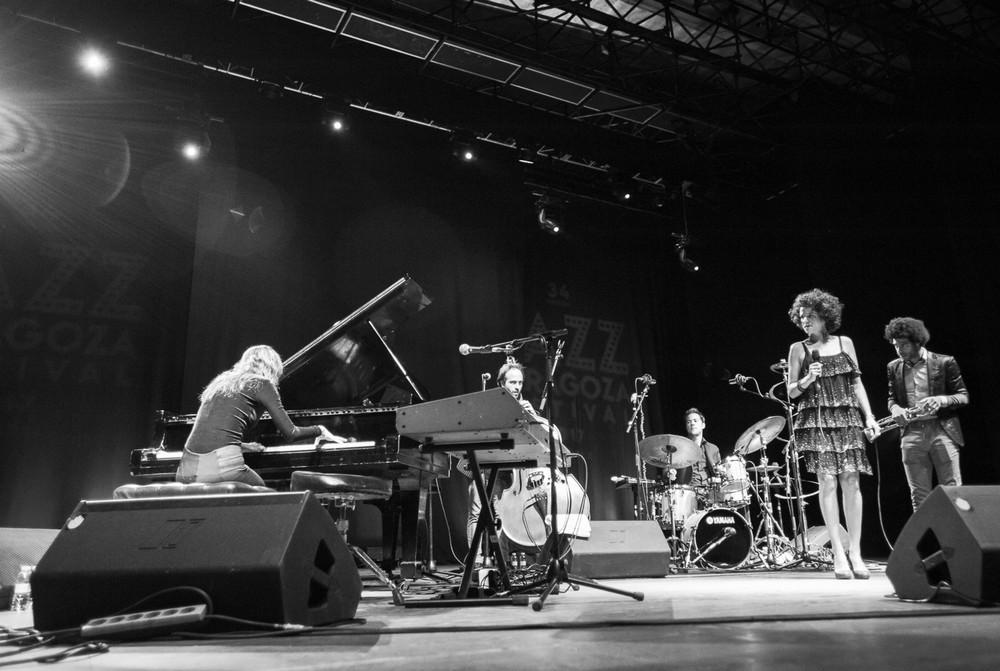 Cyrille Aymee 16 de noviembre de 2017 en la Sala Multiusos. Por Ángel Burbano