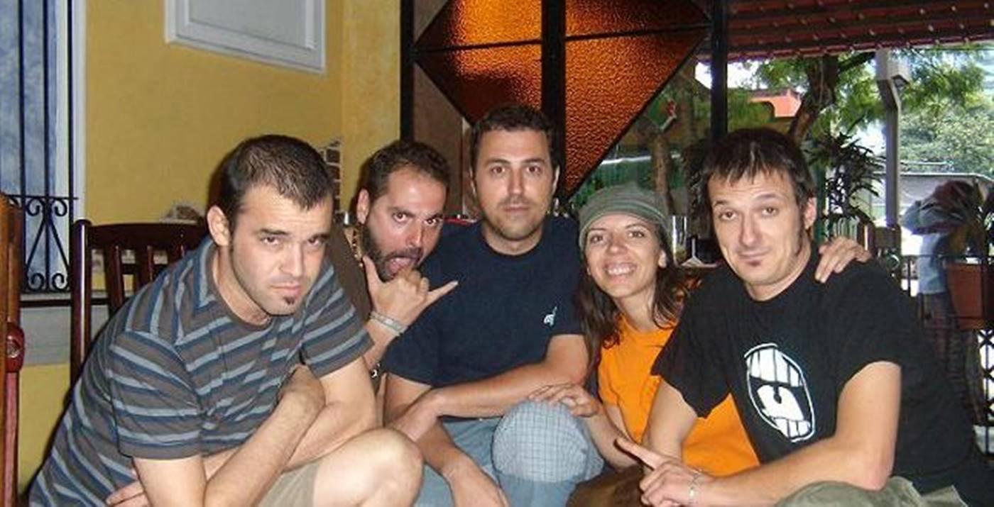 El equipo de Aragón Musical junto al Periodista Pablo Ferrer y al músico David García Pascual'Libi'.
