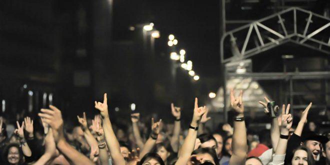 Aragón Musical celebra su 15º aniversario en la plaza del Pilar de Zaragoza
