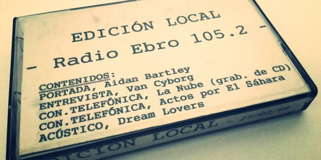 Dream Lovers tocando en acústico en el programa de radio Edicón Local