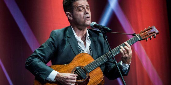 Santiago Auserón actuará el puente de San Jorge