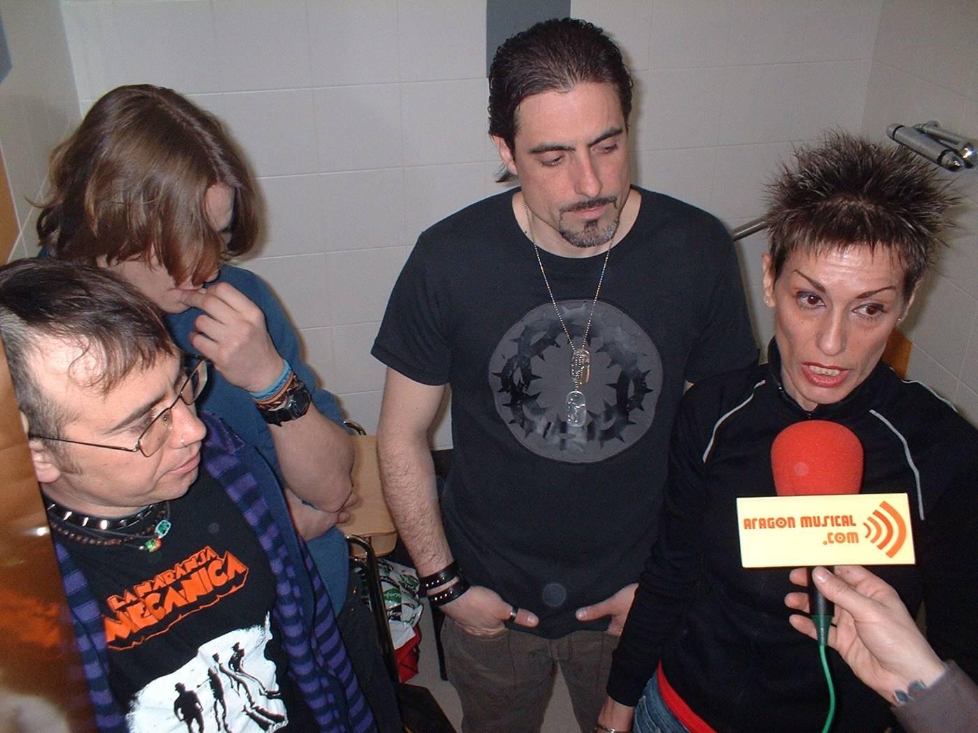 Los Monos, con Teresa Auserón a la voz, entrevistados por Aragón Musical en 2005.