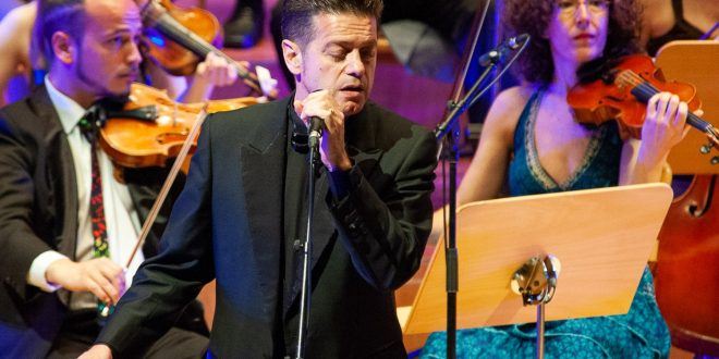CRÓNICAS: Santiago Auserón y La Orquesta del Reino de Aragón. Sala Mozart. 22/04/18. Por Alejandro Elías y Ángel Burbano