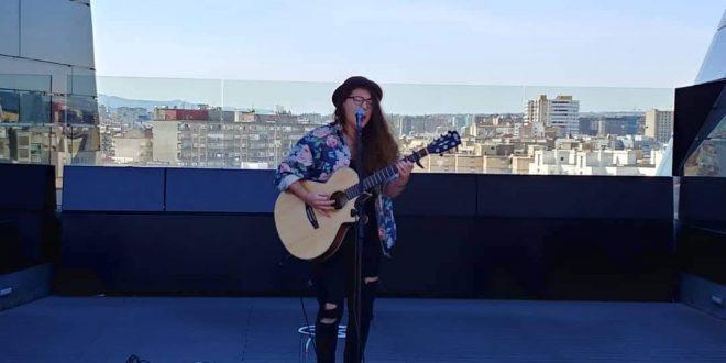Eva Mcbel - Voces de Mujer