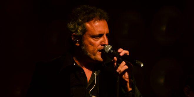 CRÓNICAS: Carlos Tarque. Sala Oasis, Zaragoza. 10/11/18. Por Stabilito, D.
