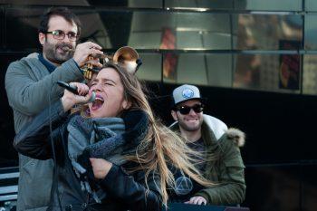 Viki Lafuente al frente del proyecto Mamma Cool Funk Orkestra desde 'La Divina Comedia, Azotea de Estrellas'. Foto: Ángel Burbano.