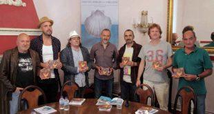 Momento de la presentación del disco '10 años de cooperación Huesca/Casablanca'