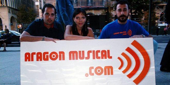Foto fundacional de Aragón Musical con: Sergio Falces, Beatriz Pitach y David Chapín en 2004