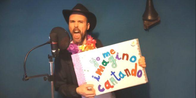 Álex García, de Nuei, en uno de los fotogramas del vídeo.