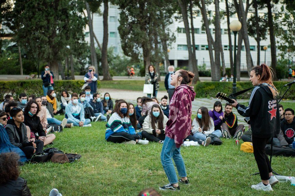 Eva McBel en el Parque Grande José Antonio Labordeta, el 9 de junio de 2020. Foto, Ángel Burbano