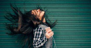 ¿Quieres adaptar tu estado de ánimo? Cambia la música que estás escuchando