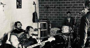 Tachenko grabando 'Las discotecas de la tarde' en estudios El Cariño de Mozota
