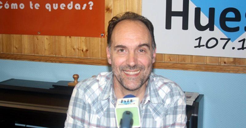 Luis Lles conduce desde Hit Radio Huesca el programa 'La Caja de Los Truenos'
