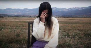 Fotograma del videoclip 'Si tú' de Elem, dirigido por Dani Calavera.