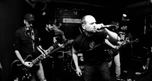 Monaguillos Sin Fronteras tocando en Avv Arrebato de Zaragoza