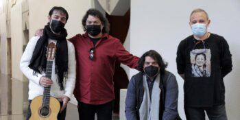 Arturo Jiménez junto a sus músicos en la presentación para prensa de 'Aromalí'.