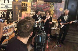 Alexandra & The Goldtriggers actuando durante la presentación del Sos en Vivo Festival. Foto de Aragón Musical.